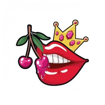 Weiblicher mund, der mit kirschfrucht tropft