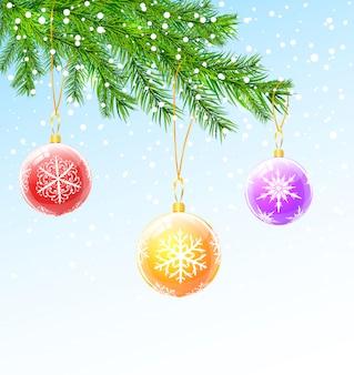 Weihnachtsbälle auf weihnachtsbaumast