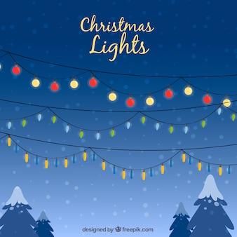 Weihnachtsbeleuchtung in einem winterhimmel