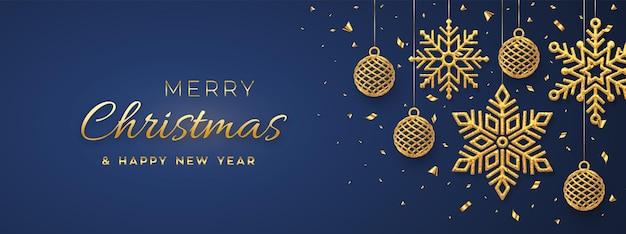 Weihnachtsblauer hintergrund mit hängenden glänzenden goldenen schneeflocken und bällen. frohe weihnachtsgrußkarte. urlaub weihnachten und neujahr poster, web-banner. vektor-illustration.