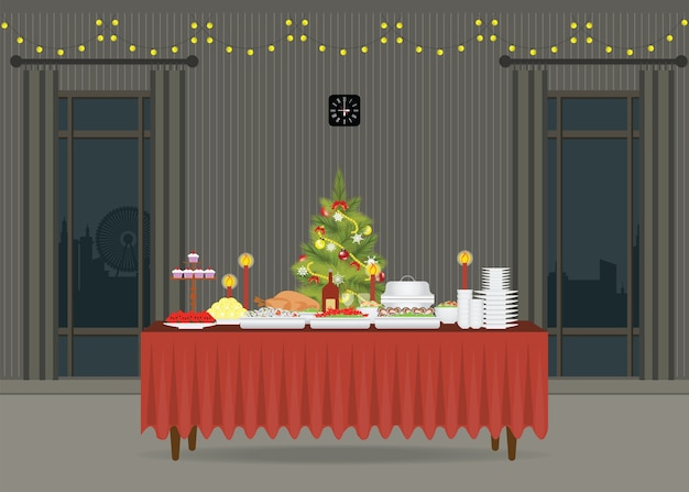 Weihnachtsessen auf dem tisch, der mit weihnachtsbaum verziert