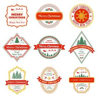 Weihnachtsetiketten vintage weihnachtswinterurlaubsabzeichen mit rentier-tannenbaum-schneeflocken-vektor-set