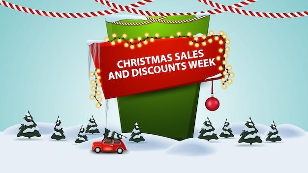 Weihnachtsgeschäfts- und rabattwoche, karikaturrabattfahne mit winterlandschaft mit tragendem weihnachtsbaum des roten weinleseautos