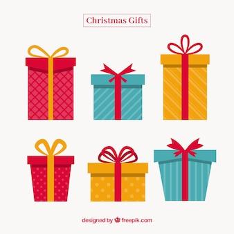 Weihnachtsgeschenk-set im flachen design