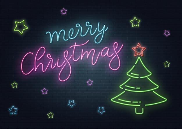 Weihnachtsgrußkarte, hintergrund. weihnachtsbeschriftung im neonstil auf backsteinhintergrund. blaue und lila neonfarben, neonsterne und weihnachtstannenbaum. hand gezeichnete beschriftung. illustration