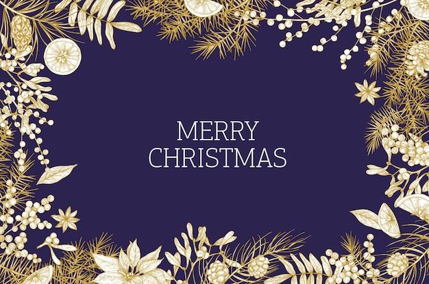 Weihnachtsgrußkartenschablone verziert durch nadelzweige und -kegel, mistelbeeren, orangenscheiben und sternanis