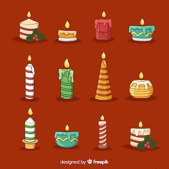 Weihnachtshand gezeichnete brennende kerzen