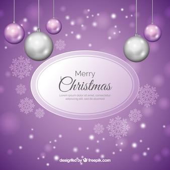 Weihnachtshintergrund mit realistischem silbernem und lila flitter