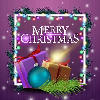 Weihnachtskartenschablone mit girlande und geschenken