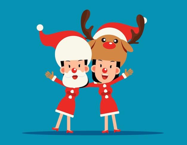 Weihnachtskostüm. weihnachtsmann und rentierarm über schulter.