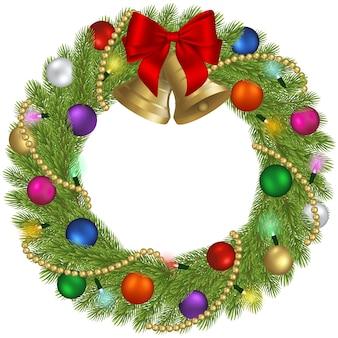 Weihnachtskranz mit dekorationen und weihnachtslichtern