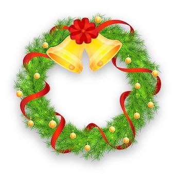 Weihnachtskranz mit rotem band, glocken und bällen
