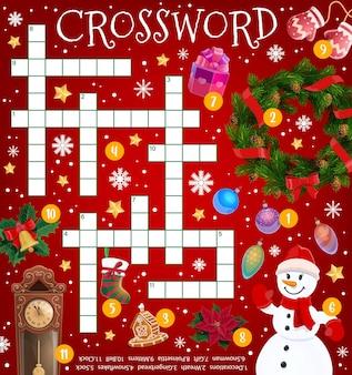 Weihnachtskreuzworträtsel-spielraster, cartoon-urlaubsartikel und dekorationen, vektor. finden sie wort-quiz für kinder-arbeitsblatt-rätsel mit weihnachtsgeschenken auf weihnachtsbaum, winterschnee und schneemann in handschuhen