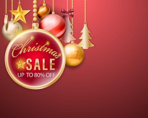 Weihnachtskugeln, die verkaufsfahne mit dekorationselement auf rotem hintergrund hängen.