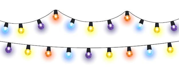Weihnachtslichter isolierten realistische gestaltungselemente. girlanden mit farbigen zwiebeln.