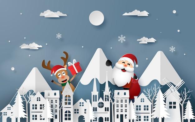 Weihnachtsmann und rentier kommen in die stadt