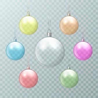 Weihnachtsmehrfarbige glaskugeln auf einem transparenten hintergrund