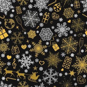 Weihnachtsnahtloses muster aus großen und kleinen schneeflocken und verschiedenen weihnachtssymbolen, weiß und golden auf schwarz