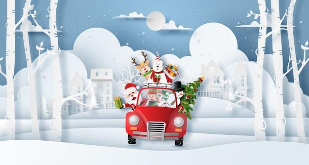 Weihnachtsrotes auto mit santa claus und freunden im dorf