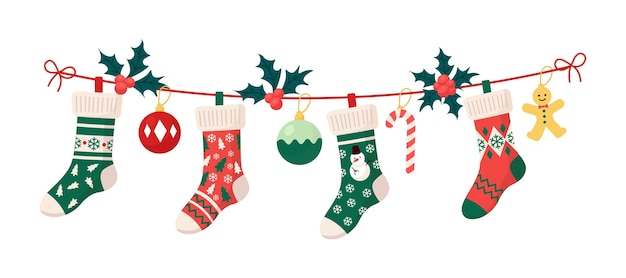 Weihnachtsstrümpfe mit traditionellen feiertagsverzierungen, dekorationskugeln, lebkuchenmann. hängende kinderkleidungselemente mit weihnachtsmustern am seil. socken mit schneeflocken, schneemann, weihnachtsbaum