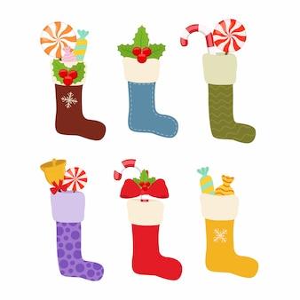 Weihnachtsstrümpfe, socken mit leckereien, geschenke