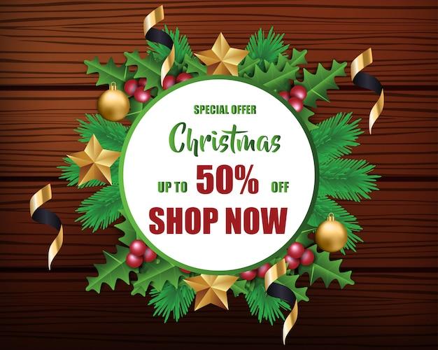 Weihnachtsverkauf für förderung mit blätter und weihnachtsdekorationen im hölzernen hintergrund