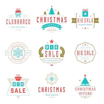 Weihnachtsverkaufsaufkleber und -ausweise mit dem text typografisch