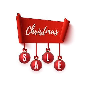 Weihnachtsverkaufsfahne mit weihnachtsbaumschmuck lokalisiert auf weißem hintergrund.
