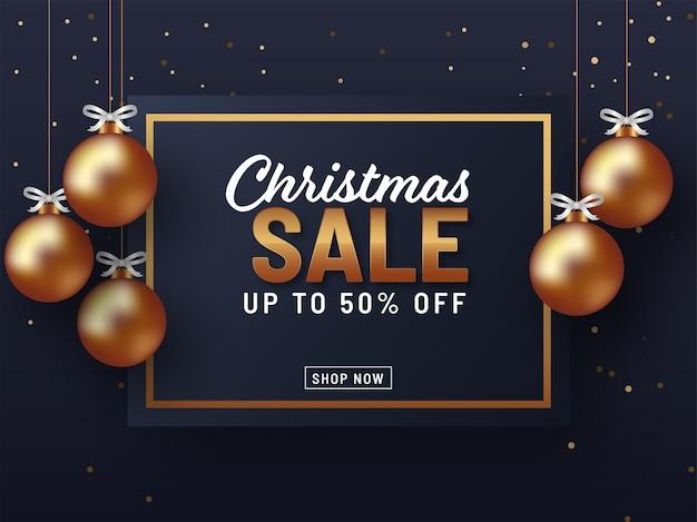 Weihnachtsverkaufshintergrund mit goldenen kugeln auf schwarzem hintergrund