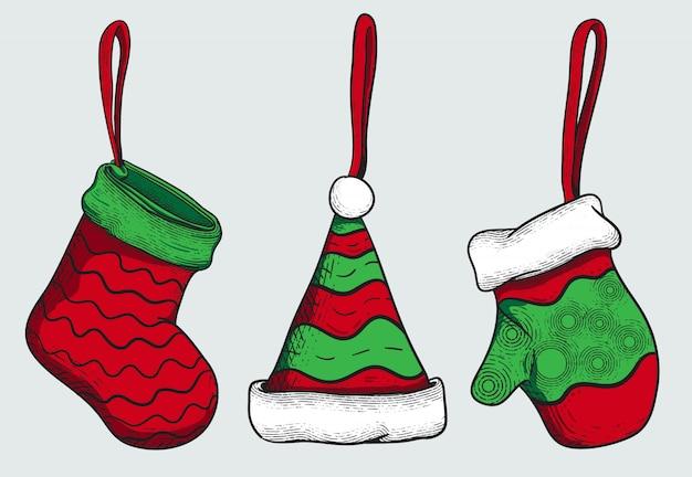 Weihnachtsverzierung mit socke, hut und handschuh