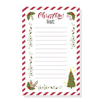 Weihnachtswunschliste mit stechpalmenbeerenblättern und feiertagsbaumschablone auf weißem hintergrund.