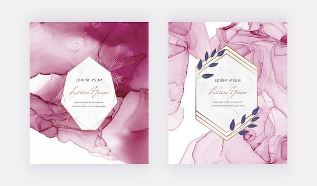 Weinalkohol-tinte mit glitzer-design und geometrischen rahmen aus botanischem marmor.