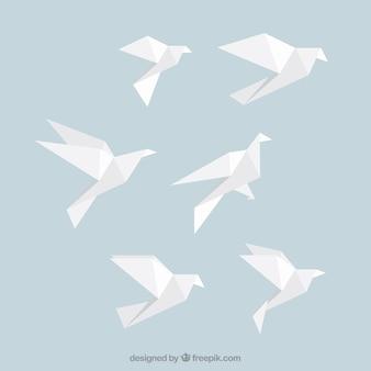 Weiß origami-vögel