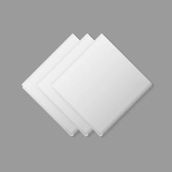 Weiße gefaltete quadratische servietten draufsicht auf hintergrund. sitzordnung bei tisch