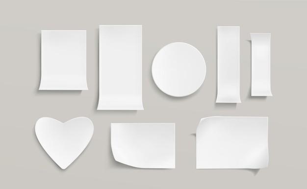 Weiße papieraufkleber gesetzt