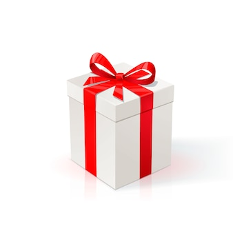 Weißer karton mit rotem band und schleife. geschenkbox auf weißem hintergrund.