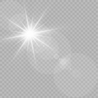Weißes leuchtendes licht explodiert auf einem transparenten hintergrund. funkelnde magische staubpartikel. heller stern. transparent strahlende sonne, heller blitz. funkelt. einen hellen blitz zentrieren.