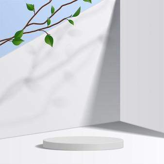 Weißes podium des zylinders im weißen hintergrund mit blättern. produktpräsentation, szene zur präsentation eines kosmetischen produkts, podium, bühnensockel oder plattform. einfach sauber