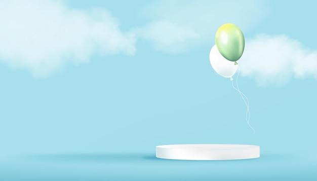 Weißes podium mit grünen luftballons und wolken schweben auf blauer himmelswand 3d