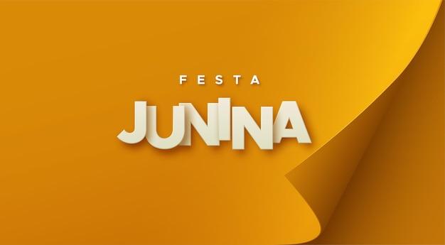 Weißes schild festa junina auf orangefarbenem papierblatt mit gekräuselter ecke