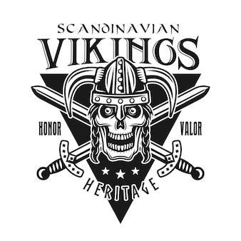 Wikinger-vektor-emblem, etikett, abzeichen, logo oder t-shirt-druck mit kriegerschädel in gehörntem helm isoliert auf weißem hintergrund