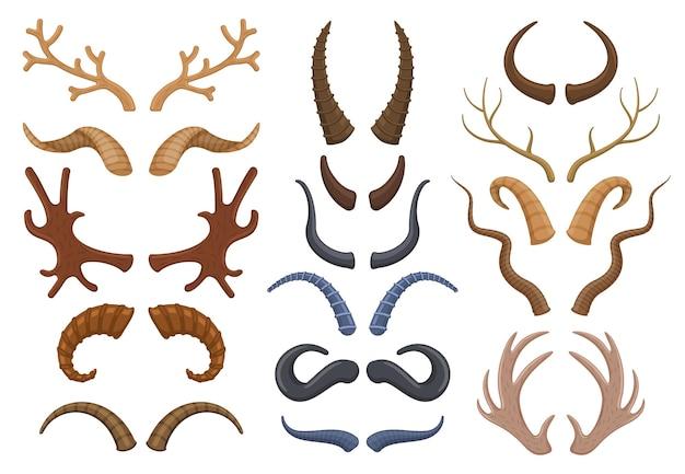 Wilde tiere hörnen geweih, rentiere, stier, ziege. jagdtrophäe hirsche, steinböcke, schafe und elchhörner vector illustration set. trophäe wilde tierhörner. tier- und antilopenhörner, elche und büffel