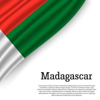 Winkende flagge von madagaskar auf weiß