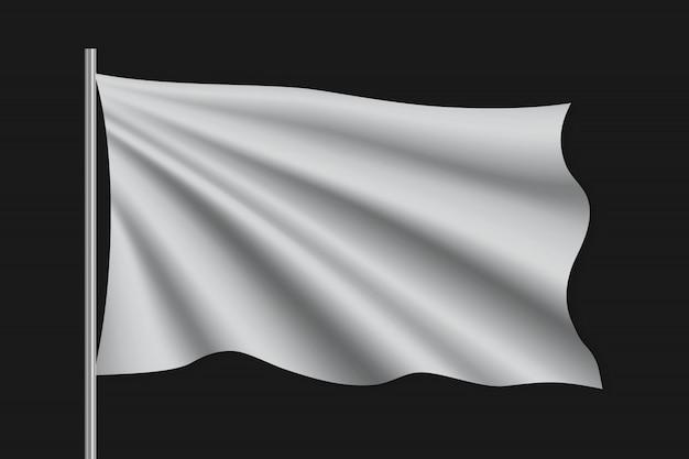 Winkende leere flagge am fahnenmast.