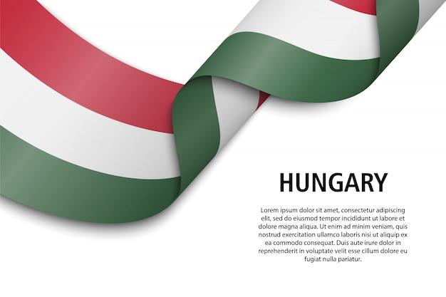 Winkendes band oder banner mit flagge