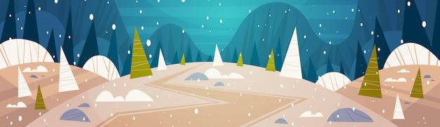 Winter forest landscape moon shining über snowy-bäumen, frohen weihnachten und guten rutsch ins neue jahr-fahnen-feiertags-konzept