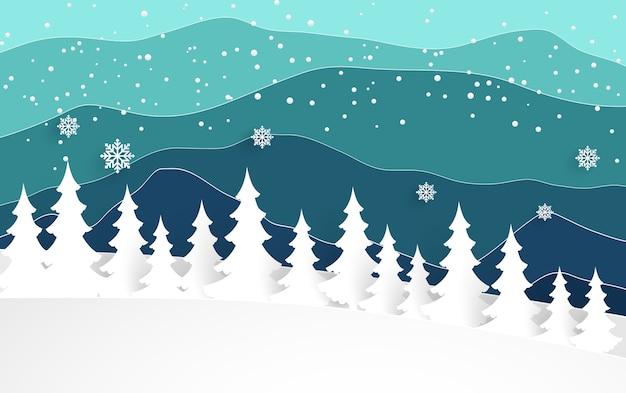 Winter im wald. es gibt eine schöne aussicht auf die berge.