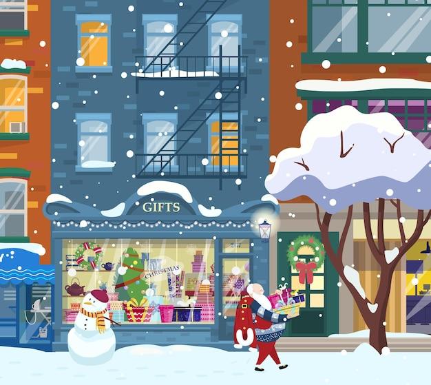 Winterstadtbild mit geschäften und weihnachtsmann zu fuß mit geschenken. geschenkeladen-schaufenster. weihnachtsstadtnacht. flacher cartoon.
