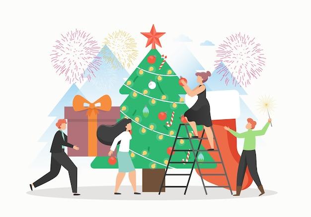 Winzige büroangestellte, die riesigen weihnachtsbaum schmücken und geschenke vorbereiten, um sie unter den baum zu setzen