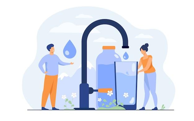 Winzige frau, die sauberes wasser vom wasserhahn mit berglandschaft gießt